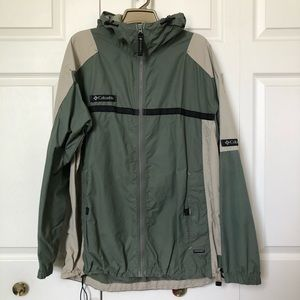 Columbia men's raincoat/windbreaker with hood Sz L